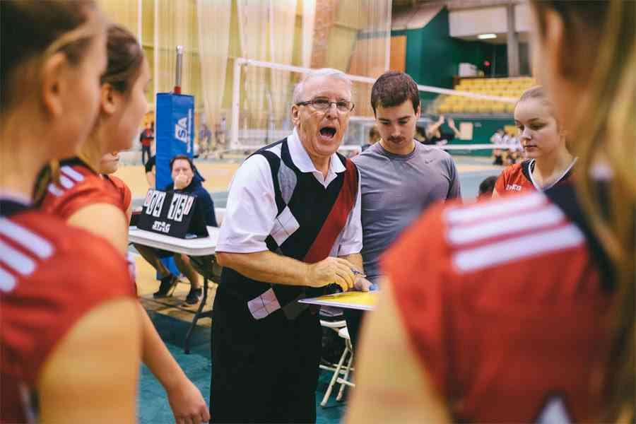 Yves Lévesque intronisé au temple de la renommé du Volleyball Québécois!